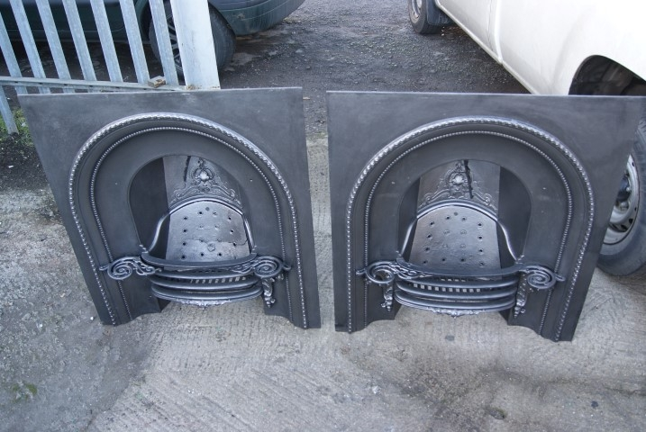 Pair of register grates